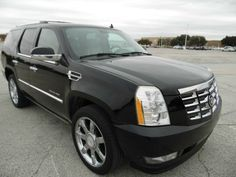 CADILLAC ESCALADE ALL WHEEL DRIVE LOADED WITH LEATHER ,SUNROOF, BACK UP CAMERA, DVD PLAYER, GPS NAVIGATION, THIRD ROW SEATS, NONE SMOKER, NEVER BEEN ...