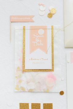 Blush, Aprikot und Goldkonfetti, eine Kombination, die nicht nur die Brautpaare in dieser Hochzeitssaison geliebt haben, sondern die auch im kommenden Hochzeitsjahr 2016 voll im Trend ist.