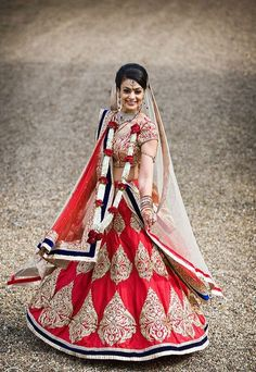 Red gold bridal lengha (lehenga) #indian #wedding #southasian | courtesy R.A.G. Artistry | For more inspiration visit www.shaadibelles.com