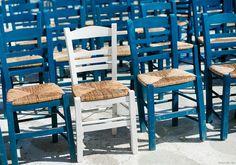 Weekend Inspiration, blue chairs, white chair / Garance Doré