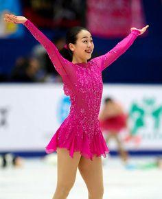 浅田真央、決意のSP 難度高い構成で首位に 中国杯:朝日新聞デジタル                                                                                                                                                                                 もっと見る