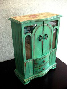 Green Flora wooden jewelry box by NJsDreamBoxes on Etsy