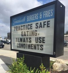 The best random picdump period! The most viewed picdump. Pic of the day. Funny pics and gifs. Funny Photos, Best Funny Pictures, Funny Church Signs, Clean Jokes, Corny Jokes, Fun Signs, Really Funny, Puns, Make Me Smile
