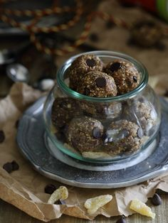 Gingerbread Chocolate Chip Bites.A no-bake festive and healthy snack.
