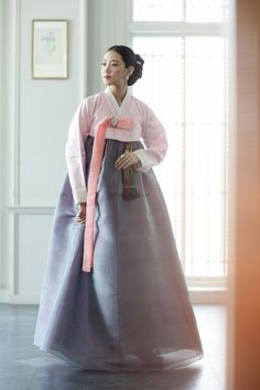 Hanbok by Hwang Geum Chim Sun | weddingritz.com