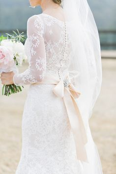 Sheer lace romance | Photography: BluElla Photography - bluella.com