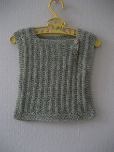 Ravelry: Woollahoo's Willow baby vest Free Baby Blanket Patterns, Baby Knitting Patterns, Baby Patterns, Ravelry, Baby Girl Vest, Kids Vest, Knit Vest Pattern, Baby Pullover, Knitted Baby Blankets