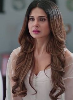These Sexy Pictures of Jennifer Winget Will Keep You Up All Night. Jennifer Winget Beyhadh, Preety Girls, Hair Color Streaks, Indian Tv Actress, Jennifer Love, Stylish Girl Pic, Indian Celebrities, Celebrity Look, India Beauty