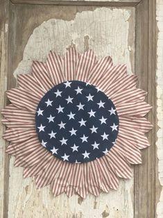 Wreath Crafts, Tree Crafts, Diy Wreath, Flower Crafts, Diy Crafts, Flag Wreath, Diy Flower, Wreath Ideas, Wood Crafts