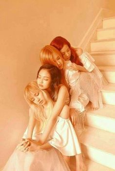 Blackpink in your area Kpop Girl Groups, Korean Girl Groups, Kpop Girls, Divas, Blackpink Jennie, K Pop, Lisa Park, Blackpink Wallpaper, Jenny Kim