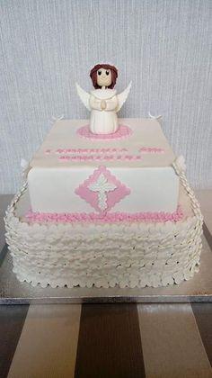 Tort na Komunię Św. z aniołkiem