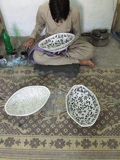 A ceramics artist at work in Pakistan. Pakistan Zindabad, Pakistan Photos, Islamic Art, Islamic Motifs, Pakistani Culture, Indus Valley Civilization, Decoration Piece, Bronze Age, Ceramic Artists