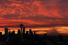 fun silhouette of seattle skyline