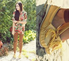 Flattery Heart Patch Leggings, Le Bunny Bleu Yellow Moccasins, Romwe Floral Top