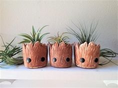Guardians of the Galaxy Baby Groot Air Plant Planter SetI have really have a love for mini plants lately, especially succulents, air plants and cacti. The one thing that's been lacking in my terrariums andEdible Plants, Learn a Prized Possession Outd Baby Groot, Ideas Para Decorar Jardines, Crea Fimo, Mini Plants, Cactus Plants, Baby Gift Sets, Edible Plants, Air Dry Clay, Plant Holders