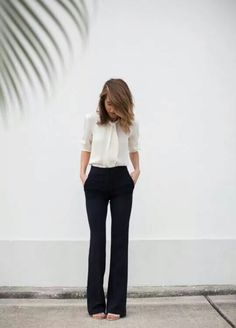How To Wear Jeans To Work Business Casual Simple Super Ideas - Business Attire Business Outfit Frau, Business Outfits, Business Fashion, Business Professional Attire, Women Business Casual, Professional Work Outfits, Summer Professional, Professional Clothing, Business Casual Outfits For Women
