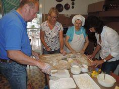 Too many cooks in the kitchen?? All part of the fun!  .  #learnitalian #studyitalian #studyinitaly #travelitaly #italianculture #italianlanguage