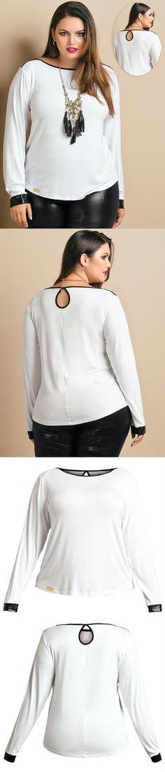 Blusa manga longa Plus Size, desenvolvida em viscose com elastano. Modelo com recortes e detalhes em cirré.