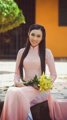 All sizes   IMG_7564   Flickr - Photo Sharing! Vietnamese Traditional Dress, Vietnamese Dress, Traditional Dresses, Transparent Dress, Beautiful Asian Women, Ao Dai, Asian Woman, Sexy Dresses, Korean Girl