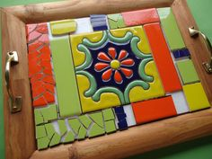 Mosaic Tray, Mosaic Wall Art, Mosaic Glass, Cement Crafts, Mosaic Crafts, Mosaic Projects, Mosaic Designs, Mosaic Patterns, Vitromosaico Ideas