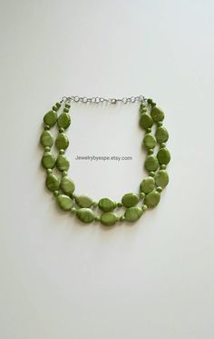 Hey, I found this really awesome Etsy listing at https://www.etsy.com/listing/257629606/green-beaded-bib-chunky-statement