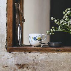 Order Brillance Fleurs des Alpes Espresso cup made of Bone China easily and securely online. Espresso Cups, Bone China, Home Accessories, Porcelain, Glass, Table, Shop, Porcelain Ceramics, Glas