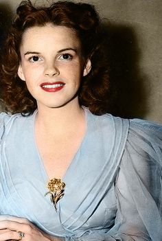 Judy Garland in epic blouse.