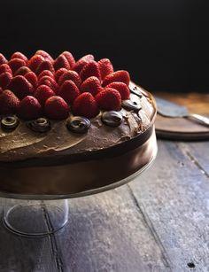 Rústica: Pastel de Chocolate & Fresas. Irresistible...