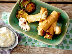Türkische Rezepte sind vielfältig und richtig lecker.  Wir lieben sie herzhaft in Form von Köfte, Kebap oder Börek und vernaschen mit Freude Süßes wie Baklava.