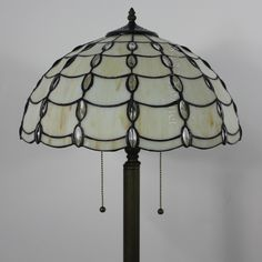 Pearl Tiffany Lamp	16S8-23F5