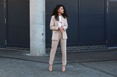 Chic tailoring and chatting personal style. See why I had a complete style overhaul... #chictailoring #trousersuit #minimaloutfit #minimal #streetstyle #tailoring #asos #publicdesire #suit #womenssuit #chicoutfit #ss17