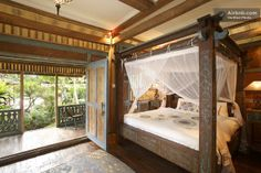 Large Antique Character Guesthouse in Ubud