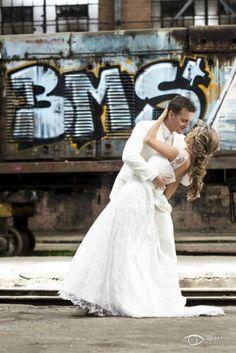 Tu Boda, el día más maravilloso de tu vida, el día que merece dejar los mejores recuerdos con distinción y calidad. PH: Morris www.morrisfotografia.com  #Boda #Fotografiadeboda #novios #wedding #weedingday #weddingphtography