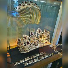 """Chaumet!!! Marvelous tiara!!! Via @adialfardan #dubai #diamond #diamonds…"