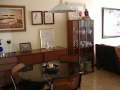 Bitácora de Wanda Nuestro salón comedor vintage. Todos los muebles y objetos son recuperados de las casas de la familia.