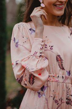 Bgo & Me Tienda online - Moda Pakistani Dresses Casual, Indian Fashion Dresses, Muslim Fashion, Modest Fashion, Modern Hijab Fashion, Stylish Dresses For Girls, Elegant Dresses For Women, Blouse Designs, Kurta Designs Women
