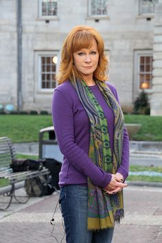 I love this pic!  REBA Behind the scenes of Who Do You Think You Are