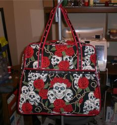 Skull and Red Glittery Vinyl Weekender - PURSES, BAGS, WALLETS - DIY, tutorials, needlework, paper crafts, knitting, crochet, sewing, swaps, jewelry and so much more on Craftster.org