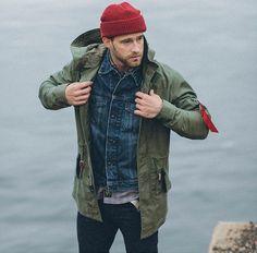 Moda Masculina Inverno 2017. Macho Moda - Blog de Moda Masculina: Roupa de Homem Outono/Inverno 2017 - Tendências. Roupa de Homem 2017, Roupa de Homem Inverno 2017, Moda Masculina, Moda para Homens, Parka Masculina, Parka Verde Militar, Jaqueta jeans, Touca Vermelha