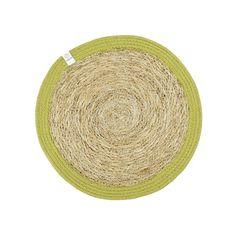 Ronde jute placemat groen van jute en zeegras, een mooi natuurlijk materiaal voor een eerlijke prijs.  Prachtig voor op tafel!