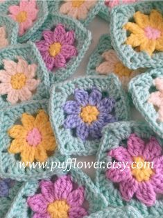 30 Granny Squares crochet flower centre , pastel colours hand made , blanket Afghan cushion , gift - Knitting and Crochet Point Granny Au Crochet, Crochet Flower Squares, Crochet Daisy, Granny Square Crochet Pattern, Crochet Flower Patterns, Crochet Stitch, Crochet Blanket Patterns, Crochet Motif, Crochet Flowers