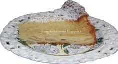 Una torta buonissima, umida all'interno, profumata, soffice e semplice. Per realizzarla non occorre utilizzare la bilancia. Ingredi...