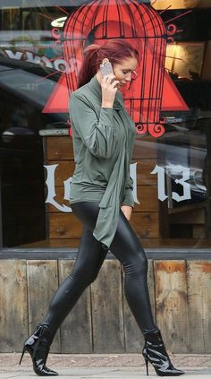 Amy Childs looks chirpy as she leaves a body piercing parlour - Celebrity Fashion Trends