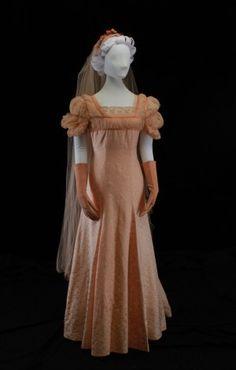 They Weren't Always White Antique Clothing, Historical Clothing, 1930s Fashion, Vintage Fashion, Old Fashioned Wedding Dresses, Wedding Attire, Wedding Gowns, Wedding Dress Patterns, Vintage Bridal