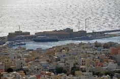 The port of Ermoupolis Paris Skyline, New York Skyline, Greek Islands, More Photos, Greece, Travel, Greek Isles, Greece Country, Viajes