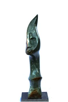 As medium of the ancestral spirit , mediums made oracular pronouncements and performed traditional ceremonies that were thought to ensure rain and good crops. The spirit medium of of the shona people where believed to be connected to a higher power through their minds to know the thoughts of the ancestors in the end the wore feathery crown because their heads where revered. Stone : Verdite Weight : +/- 15 Kg Dimensions : 68x20x15 cm