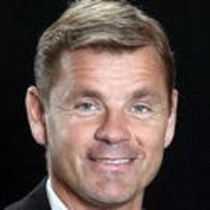Håkan Loob (born 3 July 1960) is a Swedish former professional ice hockey player for Färjestad BK of the Elitserien and the Calgary Flames of the National Hockey League (NHL). He is presently the President of Hockey Operations for Färjestad. Considered one of the greatest Swedish hockey players of all time, he was inducted into the International Ice Hockey Federation Hall of Fame in 1998 and the Swedish ice hockey Hall of Fame in 2012.