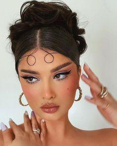 Makeup Eye Looks, Creative Makeup Looks, Eye Makeup Art, Cute Makeup, Glam Makeup, Pretty Makeup, Makeup Inspo, Makeup Inspiration, Beauty Makeup