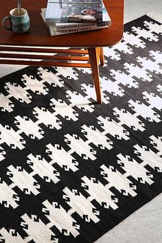 Magical Thinking Onyx Kilim Rug - Urban Outfitters