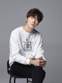 I hope that the fact they chose a good leading lady will help him. Please do let us know, if you hear anything about him confirming or not confirming. Jung Il Woo, Lee Jung, Hyun Bin, Asian Actors, Korean Actors, South Corea, Dramas, Park So Dam, A Love So Beautiful